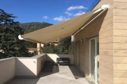 Tenda da sole con bracci motorizzata - Vendita e installazione - Gedis Cesano Maderno, Monza e brianza