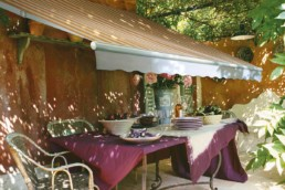 Tende da sole a righe con bracci estensibili - Vendita e installazione - Gedis Cesano Maderno, Monza e brianza
